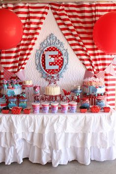 CIRCUS/CARNIVAL PARTY dessert tables, carniv parti, birthday parties, carnivals, carnival birthday, party tables, parti idea, vintage carnival, themed parties