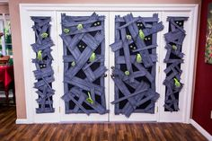 Mark Steines DIYs Zombie Windows on #homeandfamily! Tune in weekdays at at 10/9c on Hallmark Channel!