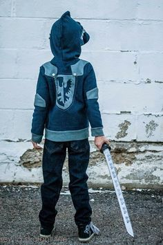 awesome knight hoodie // sew a straight line