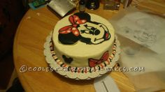 Cool Buttercream Minnie Mouse Cake...