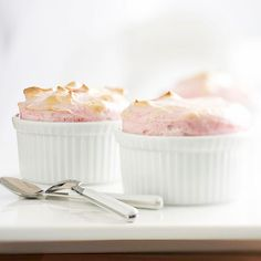 Serve this decadent Strawberry Souffle at your next dinner party. More strawberry dessert recipes: http://www.bhg.com/recipes/desserts/fruit/strawberry/strawberry-desserts/?socsrc=bhgpin080213souffle=3