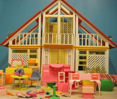 OMG!  Oh, the memories!  Barbie Doll Dream House 80s Style!