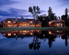 Exterior Log Homes Design - beautiful!