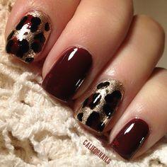 Glitter Leopard Nail
