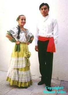 Traje típico de Campeche.
