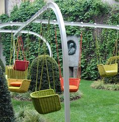 super cute hanging chairs!