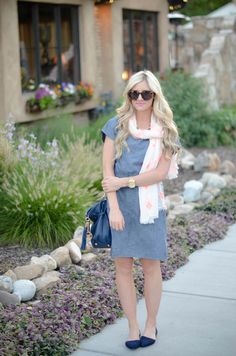 Love the chambray paired with the darker blue bag and flats.