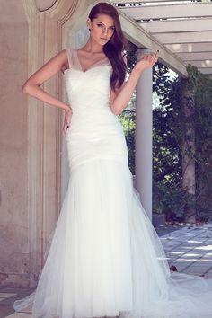 Karen Willis Holmes - Wedding Dresses 2013/2014 Collection - Karen Willis Holmes Collections - StyleMePretty LookBook - Style Me Pretty