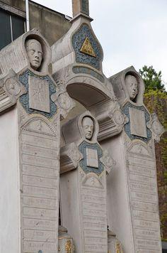 Family grave monument