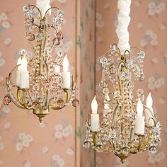 oooh how I adore shabby chic chandaliers