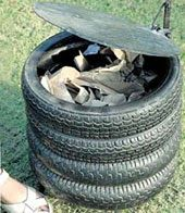 Papelera construida a partir de neumáticos de moto.