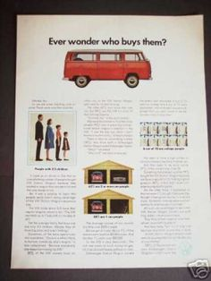 The very first minivan. VW Volkswagen Station Wagon Bus Original Photo (1970)