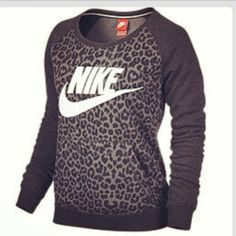 Totally need this!!!!  Workout clothes Leopard Sweatshirt workout Leopard
