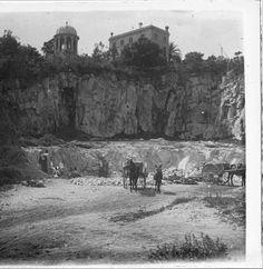 Picapedrer - Barcelona. A la pedrera de Pedralbes. 1920. Fons fotogràfic Salvany (Biblioteca de Catalunya)