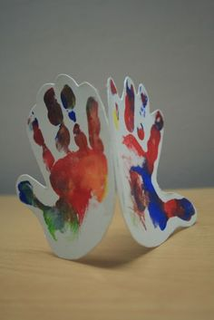 handprint Mother's Day card- what a cute gift idea for moms!