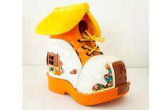 Chaussure Matchbox de 1977. leshappyvintage.fr