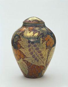 De Morgan earthernware vase painted in lustre. 1888-1898.