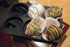 More ideas for how to change up chocolate covered strawberries #gifts #entertaining