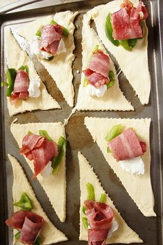 cresents rolls, bacon, green pepper, and a dollop of cream cheese.....