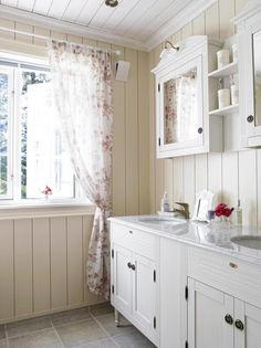cottage bathroom, love walls