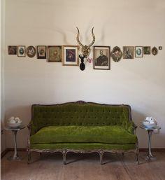 sofa color...