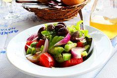 greek salad (no feta cheese version)