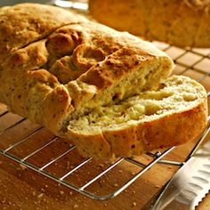 Pepper Jack Cheese Bread! A twist on jalapeno cheese bread, but ...