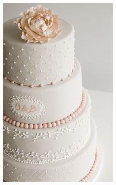 Pastel boda peonia rosa de Florentine Cupcake  #cake #weddings