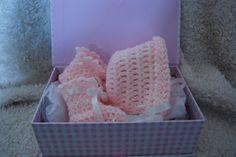 free crochet patterns-crochet-baby booties-baby bonnet
