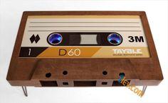 В името на носталгията – маси във формата на стерео касета