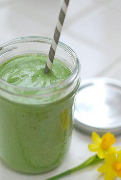Alkaline Green Smoothie Recipe. Healthy #Drink Recipes.