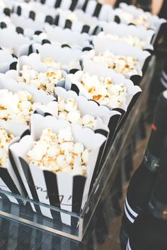 popcorn favors in b&w striped boxes