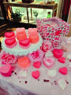 #SophieUliano's #DIY heart-shaped soaps make great gifts for all your #Valentines!