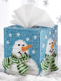 Frosty's Winter tissue cover - plastic canvas.