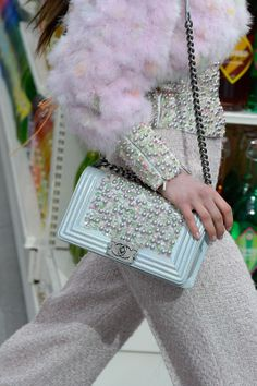 Looks we love from Chanel's runway!