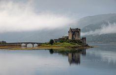 Nice misty view of Eilean Donan Castle, Scottish Highlands, photo by Stridsberg. scotland, ireland, oceann gypsi, eilean donan, dreami castl, dragon castl, castles, donan castl, place
