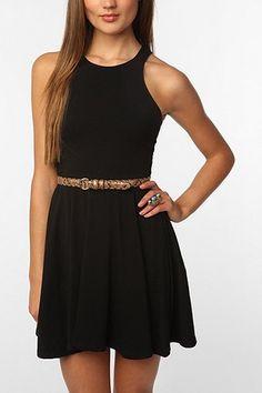 Shoulder black dress.