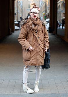 #hellooks #streetstyle #helsinki #cozy #winter #snowwhite #parka #brown #earthtones
