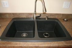 using either Dawn dish washing liquid or a vinegar and baking soda paste to clean granite composite sinks is best