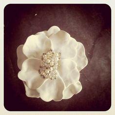 Beginner easy, no fail polymer clay flower.  Add a singleton earring, etc. to the center.  #Polymer #Clay #Tutorials