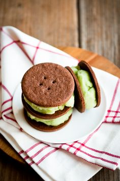 Desserts for Breakfast: Green Apple Jasmine Sorbet Sandwiches with Chocolate Snaps