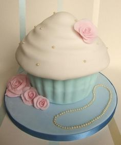 #giantcupcake