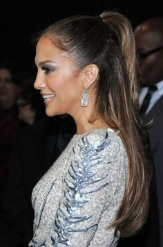 Jennifer Lopez Half Up Half Down Ponytail Hairstyle | Hairstyles Weekly