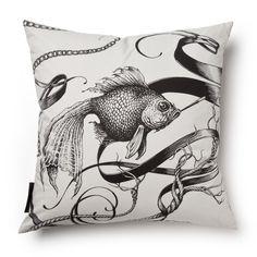 (http://www.maison24.com/products/smokey-fish-skull-pillow.html)
