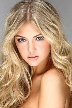Kate Upton wavy hair