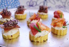 Aperitivos con polenta y ahumados  http://www.thespanishfood.es/2012/02/aperitivos-con-polenta-con-ahumados.html