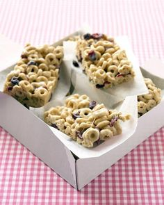Cranberry-Oat Cereal Bars Recipe...only about 101 calories per a bar...great afternoon snack for the kids!!!
