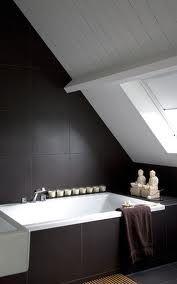 Badkamer on pinterest 32 pins - Tub onder dak ...
