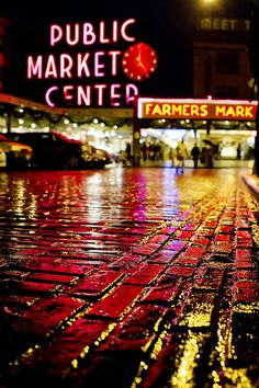 Pike place. What a beautiful picture.