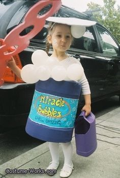 """Bubble Girl"" DIY Halloween costume #Halloween _Costume #DIY #Halloween #HalloweenCostumes #Costumes #diy_halloween_costume"